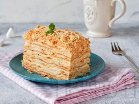 Торта наполеон с бутер тесто и крем ванилия - снимка на рецептата